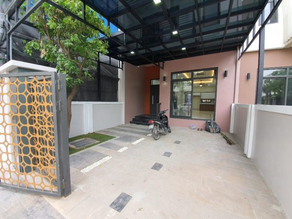 Townhouses and villas for rent in Starlake Tay Ho Tay (58)