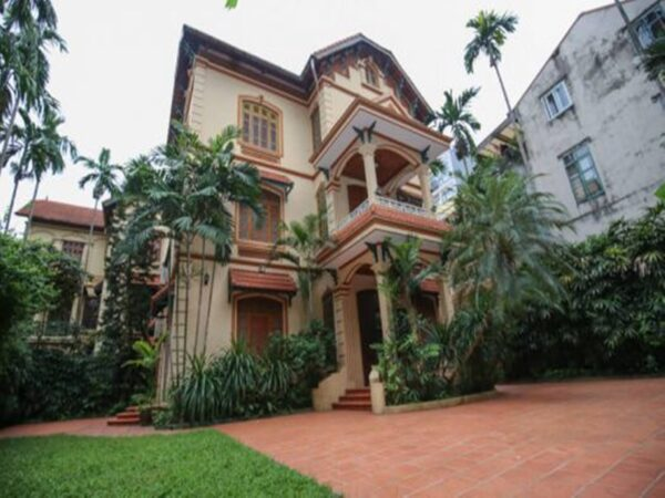 Large garden villa for rent at Tay Ho Westlake (1)