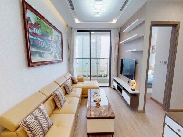 Light-filled apartment for rent in Vinhomes Metropolis (1)