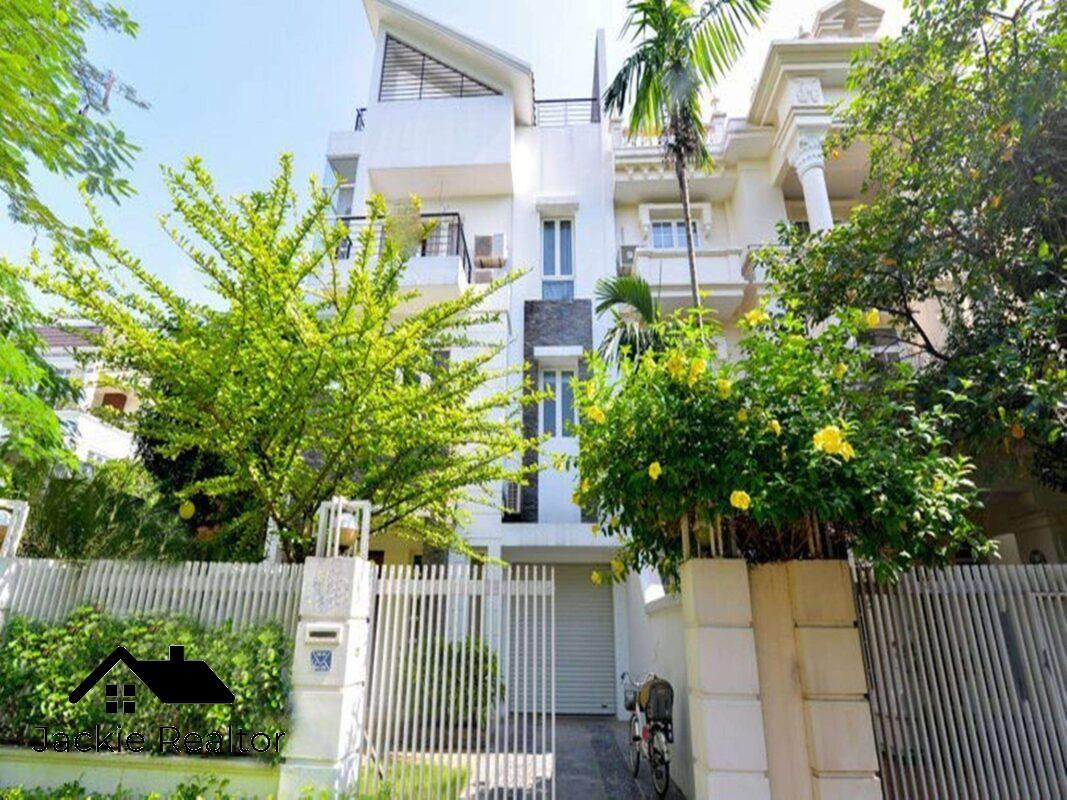 Nice rooftop pool villa in Ciputra for rent in T Block (12)
