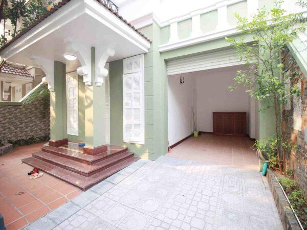 Cheap lovely villa in Ciputra for rent, near UNIS for 1 (13)