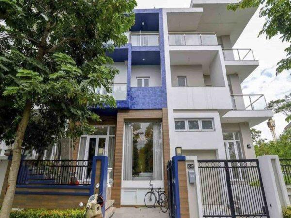 Stylish villa in K Block, Ciputra for rent (3)