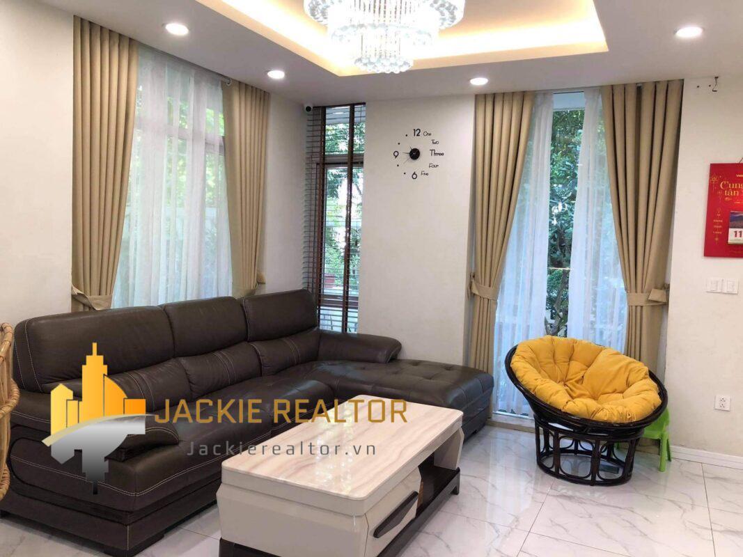 Affordable 3brs Vuon Tung Ecopark semi-detached villa for rent (1)