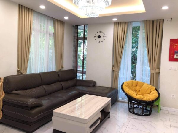 Affordable 3brs Vuon Tung Ecopark semi-detached villa for rent (1)