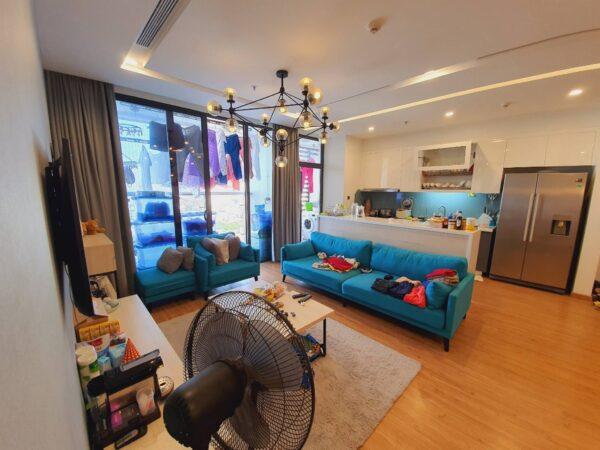 Big 3BRs lake view apartment for rent in Vinhomes Metropolis (16)