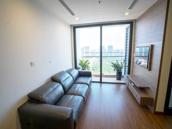 Bright apartment at W1 Vinhomes West Point for rent (1)