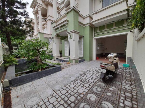 Super large T5 Ciputra villa for rent (1)