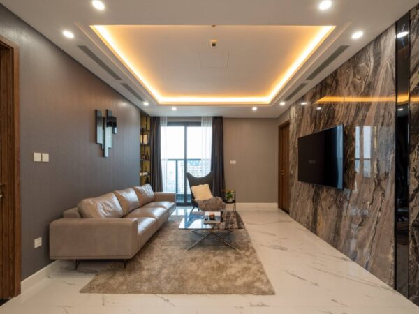 Beautiful smart 4BDs apartment for rent at Sunshine Center (1)