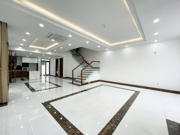 Unfurnished villa for rent in Vinhomes The Harmony, near Vinschool (1)