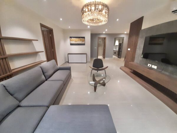 Modern 154sq.m apartment for rent in L5 Ciputra (1)