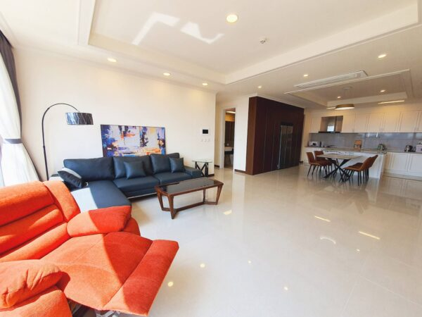 Outstanding 4BRs apartment for rent in Starlake, near R&D Center of Samsung (1)