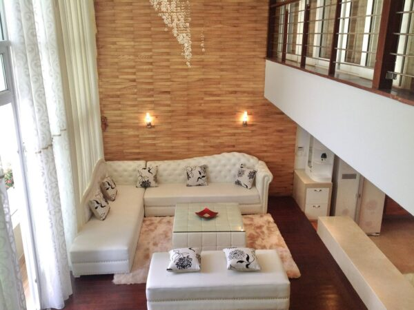 Penthouse apartment overlooking the golf course for rent in P2 Ciputra (1)